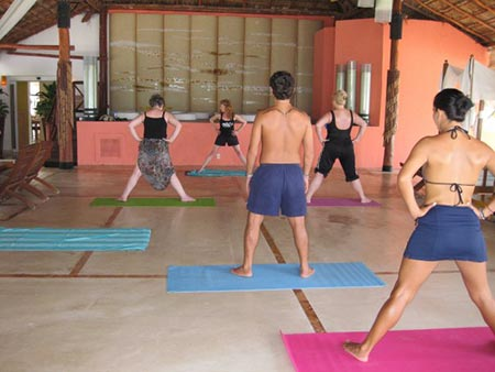 Francoise Netter leading class in Mexico